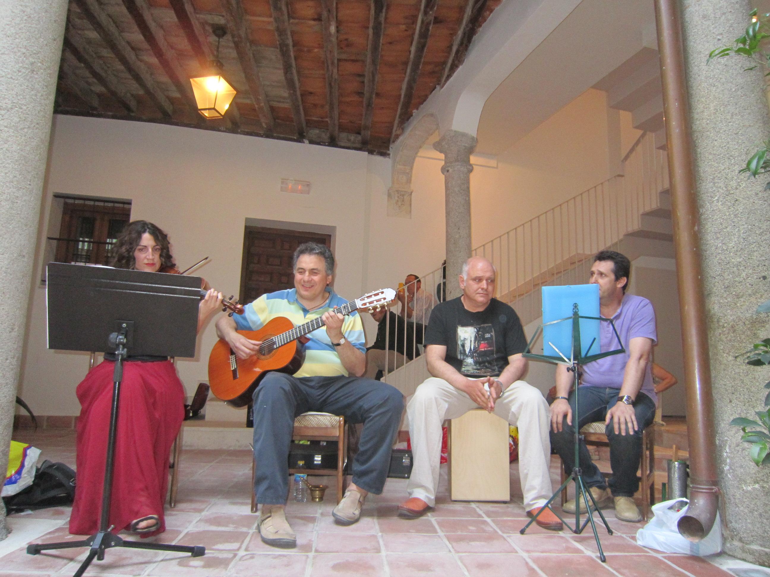 Plaza de la Bellota, 13 - El Patio - 10/05/2014